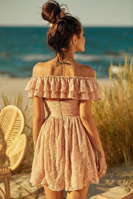 Kimbella - koronkowa sukienka z falbankami oraz cekinami